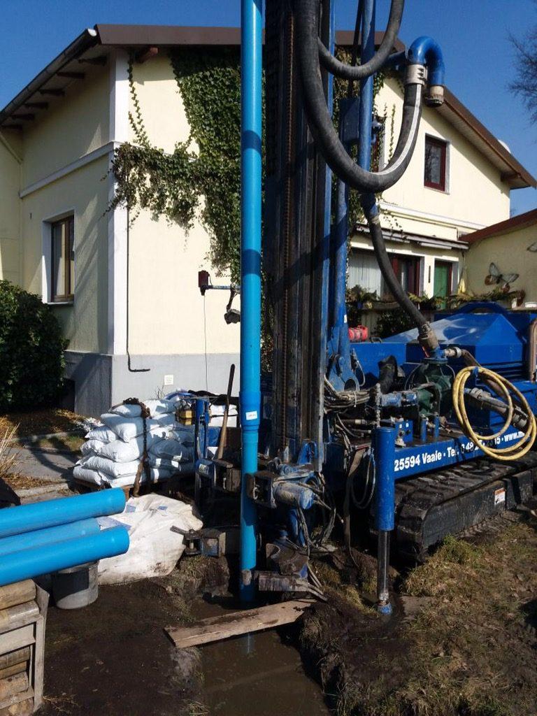 Schlotfeld… Brunnen für eine Trinkwasserversorgung Mehrfamilienhaus erstellt…