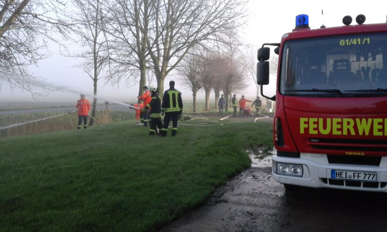 Nordermeldorf… Abnahme eines Löschwasserbrunnens nach DIN 14220 für einen landwirtschaftlichen Betrieb gemeinsam mit Kameraden zweier örtlicher Feuerwehren…