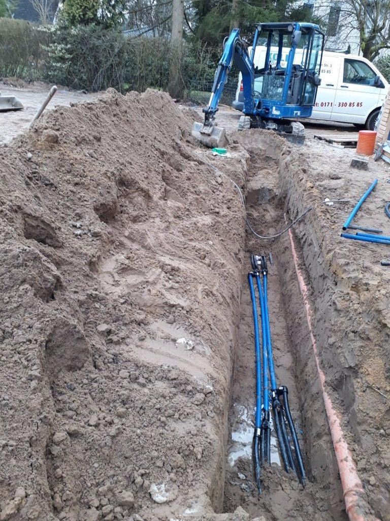 Halstenbek: Erdarbeiten und Rohrleitungsverlegung…