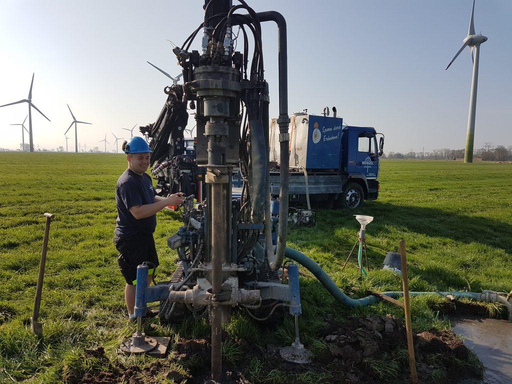 Hochfeld… Herstellung eines Weidebrunnen…