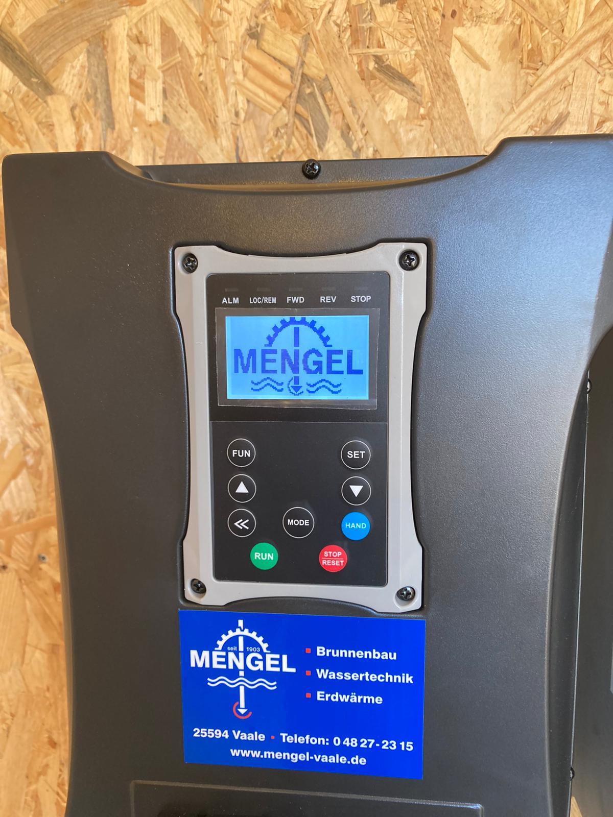 Pumpensteuerung mit FU-Regler ausgestattet