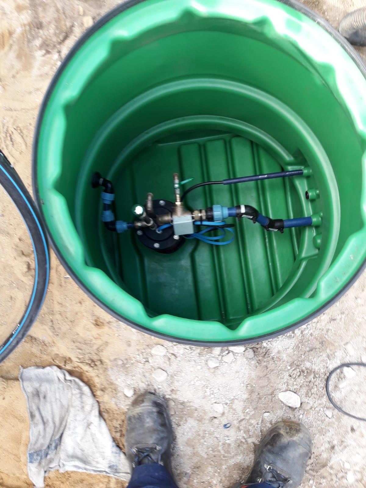 Brunnen, Pumpensteuerung und Wasseraufbereitung in Wedel
